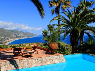 PANORAMIC APARTMENT VILLA LOU TAORMINA Pool Sea View Terrace