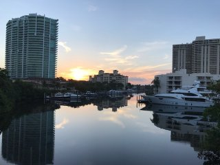 Luxury Condo! Best prime location in Miami, FL
