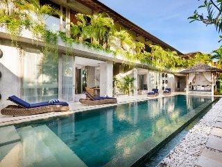 Luxury Design 5 Bedroom Villa, Canggu;