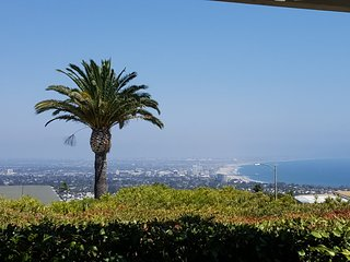 Stunning Views Ocean, Mountain & City enchanting Coastal Pacific Palisades