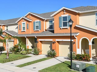 5130 Family Friendly 4 Bedrooms close to Disney in Orlando Area