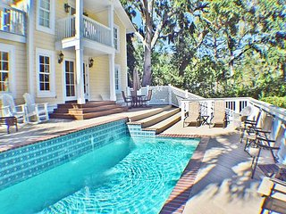 Charming 4th Row Beach Home w/ Private Pool - 5 Bedrooms - 28 Sandpiper