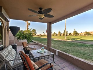 Mesa Condo w/ Community Pool & Golf Course Views!