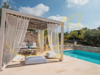 I TRULLI DI ANNETTA cosy trulli with pool short drive from Castellana Grotte