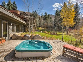 NEW! 3BR Snowmass Home w/Hot Tub - Mins to Skiing!
