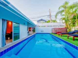 Big Pool Villa near walking street Pattaya and night market