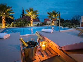 New luxury villa with pool and panoramic sea view for rent in Sutivan