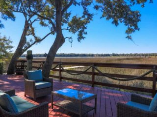 Amazing backyard deck with NEW hot tub, boat dock, views of the Ashley River
