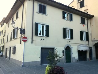MERCATALE APARTMENT in Prato, Toscana (TV Satellite, WIFI)