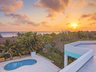 4BR on the Pool at Boggy Sands Club, Seven Mile Beach.