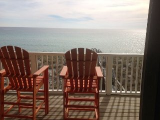 'Sea Side Villa'  Upscale Gulf Front! Discount End of Summer Rates