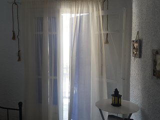 Mantos Rooms B5-Skopelos-near Hovolo beach *a/c*Wifi*kitchen*hotwater*