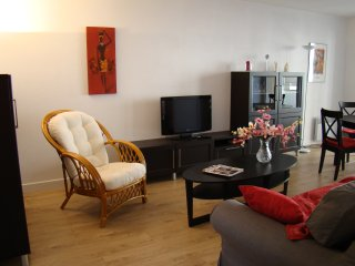 2 pieces moderne idealement situe dans Biarritz, parking, terrasse, wifi.