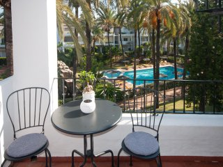 2 bed Luxury Penthouse w pool views - Front line beach San Pedro