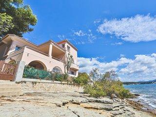 Exceptionnelle maison en bord de mer