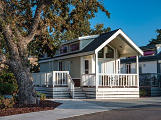 Beautiful Cottage Rental at Wine Country RV Resort in Paso Robles!