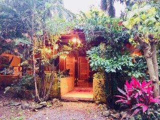 Spiral Beach House: Room Mango