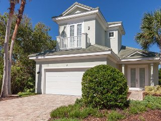 Sandpiper Beach Home in Ocean Hammock ! Short stroll to the ocean!  Sleeps 8!