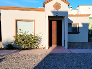 2bed 2bath Community Pool Gated Community wifi single level townhome