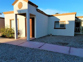 2bed 2bath 1week min. Community Pool Gated Community