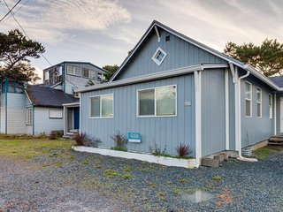 Charming dog-friendly cottage w/ home conveniences - steps from the beach!
