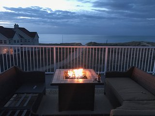 On the beach with rooftop Great VIEWS!! Lake Michigan in your Back yard