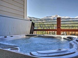 Breckenridge Townhome w/Hot Tub, Sauna & Mtn Views