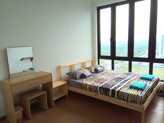 Cosy new condo, by the train station. Close to iCity and UiTM