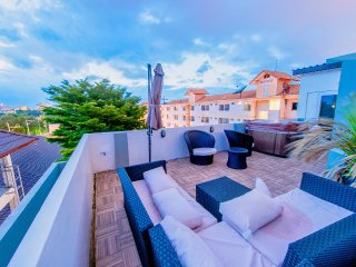 Private Rooftop Jacuzzi Villa w/BBQ billard ★★★★★