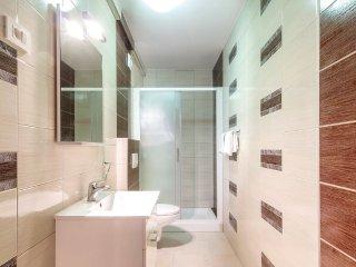 Apartment 12282