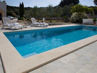 Villa Omnes, Hidden beauty in Razanj