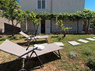 Dubrovnik IDA garden 1, free parking near OldTown