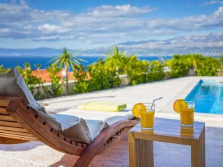 Charming villa with swimmming pool, Brac island