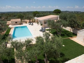 Alberobello Trulli holiday vacation large villa rental italy, bari, puglia, apul