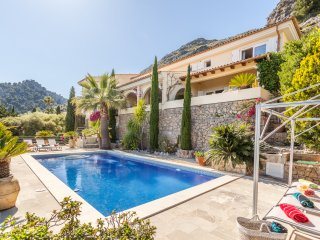 Luxury villa with private pool and impresive views to Pollensa