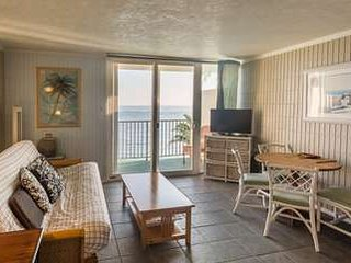 Pat's Beachfront 603 LOW RATES!!! w/Pool