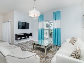 1580SW. Modern 4 Bedroom 3 Bath Townhome in Champions Gate