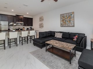 9037DD. 4 Bedroom 3 Bath TownHome, ChampionsGate In DAVENPORT FL.
