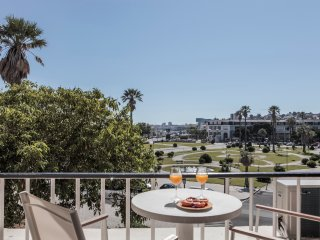 RENT4REST ESTORIL BEACHFRONT STUDIO APARTMENT WITH A BALCONY-OCEAN&GARDENS VIEW