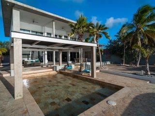 Majestic oceanfront villa
