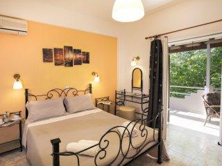 Amazing Apartment by Dassia beach, Corfu