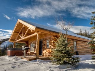 Cowboy Heaven Cabin | The Outlaw