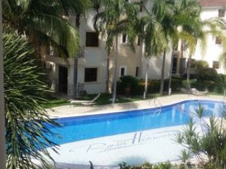 390518- 2 BEDROOM CONDO WITH EASY WALKING ACCESS TO BEACH-SHOPPING-DINING