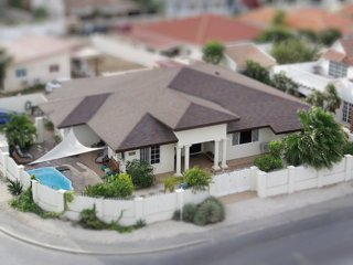 Aruba Rhythm - Spacious/Family Friendly/Convenient - Pool - NO SURPRISE FEES