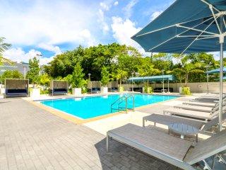 Coconut Grove 2BR Apartment w/ Marina Views Lic517