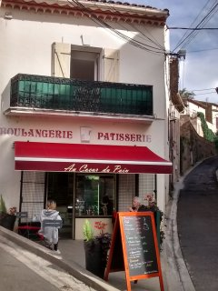 Traditional boulangerie is 2 mins walk from the house.
