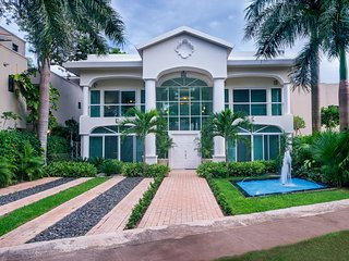 MAKE YOUR DREAMS COME TRUE...'CASA YOLO MANSION'