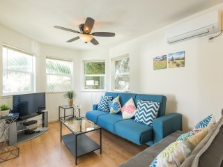 Charming, Family-Friendly Condo MINS to Castro St! Christmas in MV!