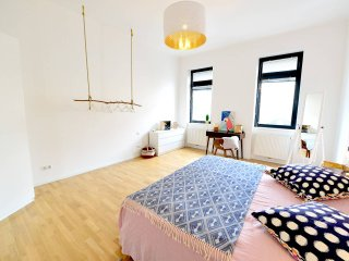 ★ for couples or family ★ 10 min. to the city center ★ Free parking