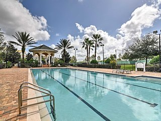 NEW! Lux Reunion Condo w/Amenities -10Mi to Disney